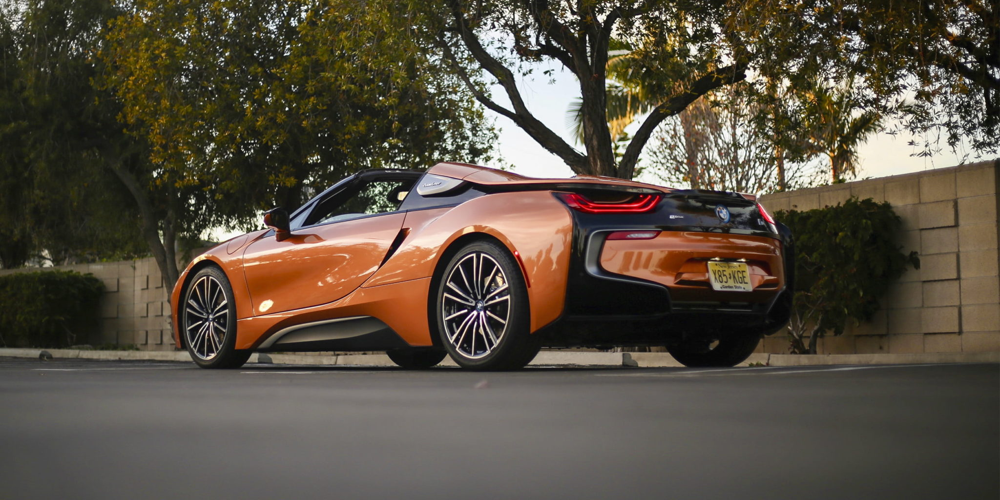2019 bmw i8 roadster obzor